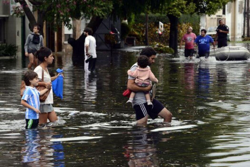 El gobernador de la provincia de Buenos Aires, Daniel Scioli, afirmó que...