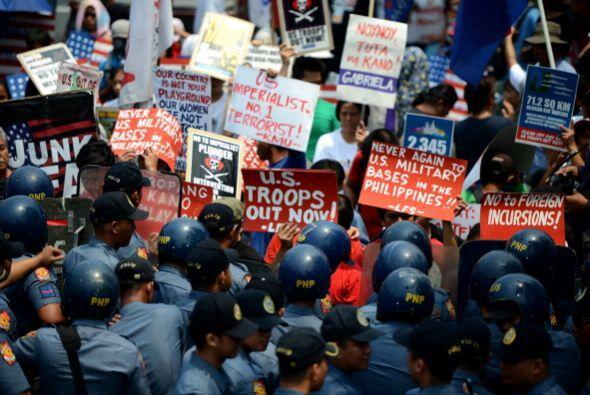 Las protestas contra Obama en Filipinas se tornaron violentas el mi&eacu...