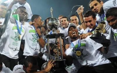 Atlético Nacional alzó su undécimo título de Colombia al vencer a la Equ...