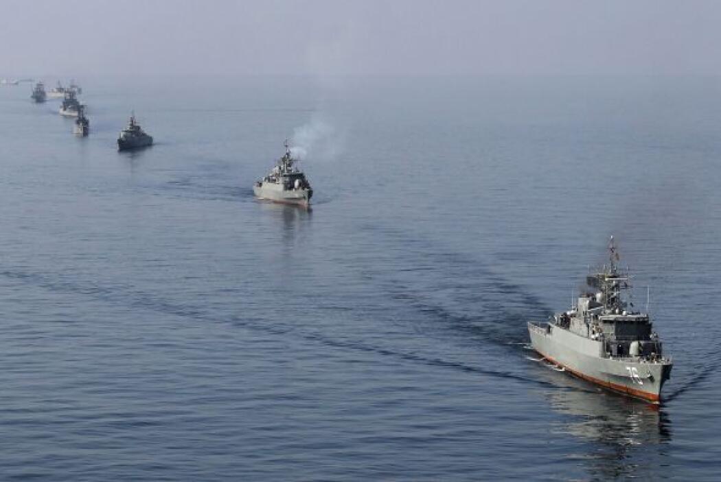 Irán comenzó el 24 de diciembre 10 días de maniobras navales en la regió...