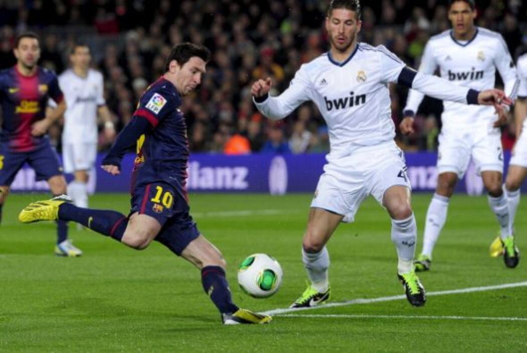Al minuto 2 Messi tuvo la primera en un remate cruzado.