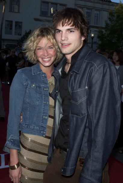 Ashton Kutcher con Ashley Scott, tiempo después del crimen de Ashley Ell...