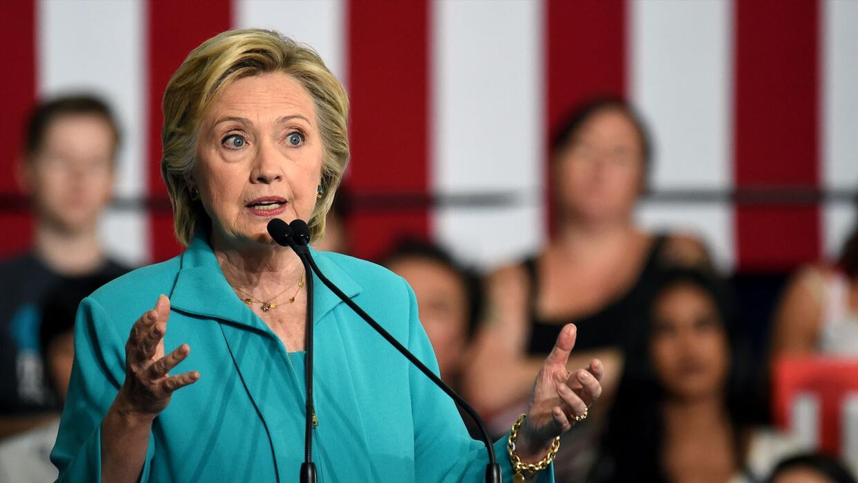 Clinton asegura que Trump unió su campaña al movimiento nacionalista de...