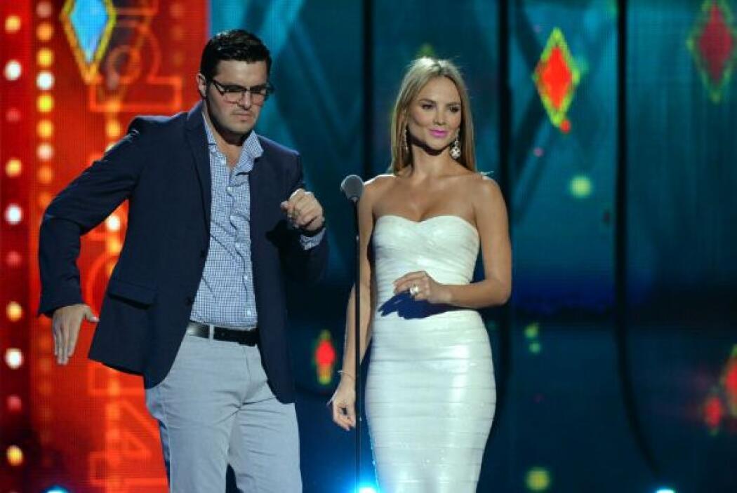 Paul y Ximena dieron el toque de humor a la noche. Ellos presentaron el...