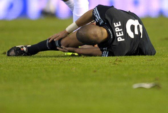 Luego se lesionó los ligamentos de la rodilla y podría est...