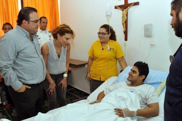 El gobernador se trasladó al Hospital Metropolitano de Acayucan para reu...