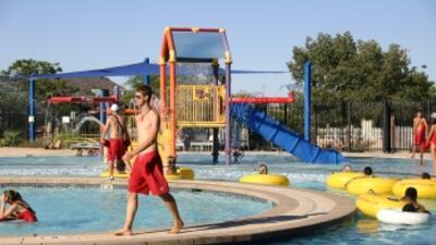 Eventos gratuitos de verano para residentes de Glendale summerswim348.jpg