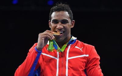 Arlén López se colgó el oro de los 75 kg.