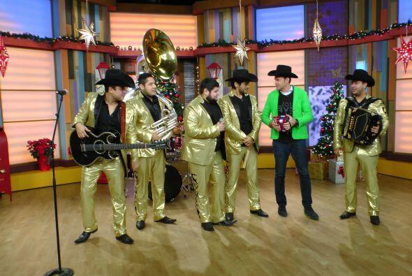 En la música, la banda originaria de Mazatlán Sinaloa, Col...