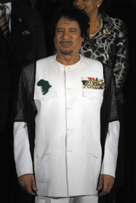 MUAMAR EL GADAFI.- Es un militar y político libio que ha estado a cargo...