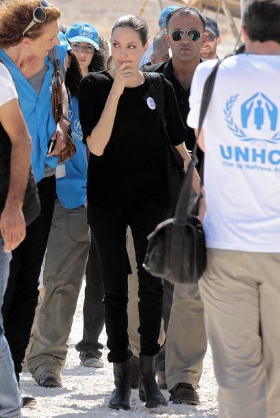 Aquí visitó un campo de refugiados que han dejado sus hogares ante la gu...
