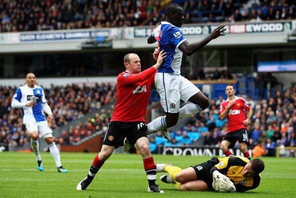 La delantera del equipo de Ferguson volvió a ser la dupla Rooney-...