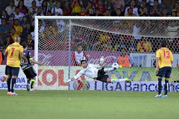 Felipe Rodríguez.- El arquero de Morelia recibió dos goles...