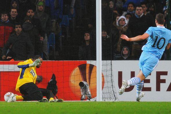 El bosnio dejó sin chances al brasileño Helton Da Silva Arruda y anotó e...