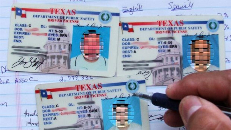 El gobernador de Texas dijo que seguirá peleando en tribunales para que...