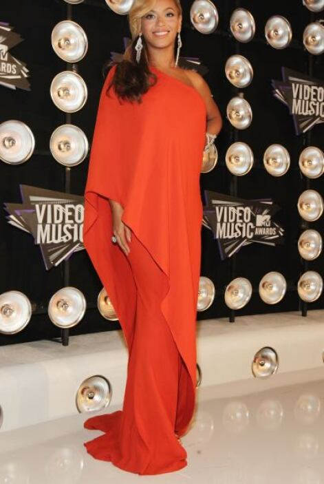 Beyoncé luce asombrosa con cualquier vestido, sobre todo con los que par...