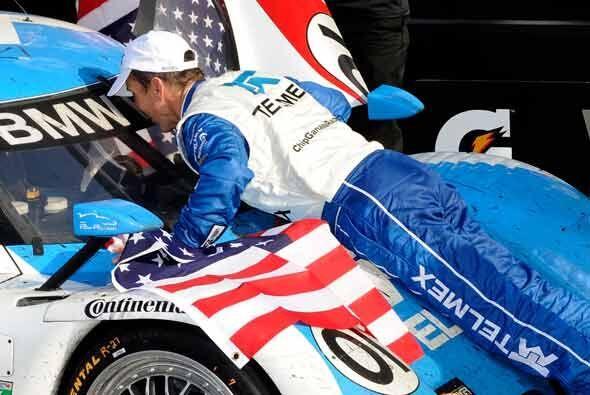 Scott Pruett, actual campeón de la serie Grand Am celebró...