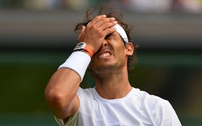 El tenista español Rafael Nadal, décimo cabeza de serie, fue eliminado e...