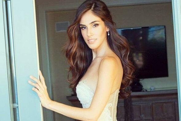 La hermosa actriz dio la buena noticia por medio de las redes sociales.