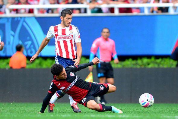 Con gol solitario de Enrique Pérez en el primer tiempo, los Rojinegros s...