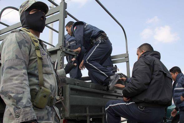 Pese a la violencia que crece, la policía y el ejército no han podido fr...