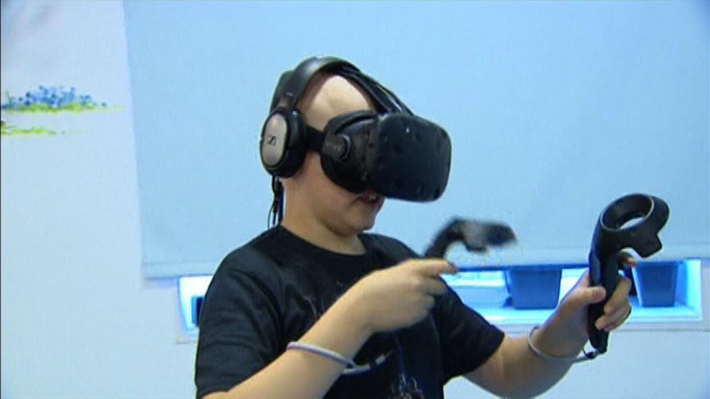 En España usan la realidad virtual para sacarle una sonrisa a niños enfe...