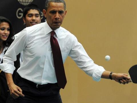 El presidente Barack Obama demostró sus habilidades en la mesa de ping p...