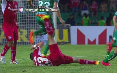 Jaguares vs Toluca: Tarjeta roja para Bruno Pires de Jaguares