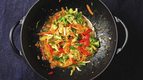 Pavo al wok