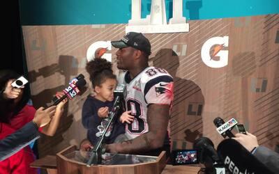 La adorable hija de Martellus Bennett acapara el micrófono en conferencia