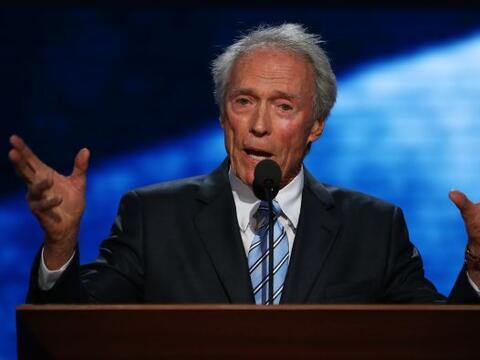 Clint Eastwood se convirtió en la estrella de Twitter luego de su...