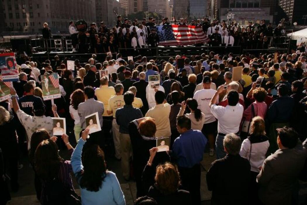 24. Quinto aniversario del 9/11  Los familiares de los fallecidos leen l...