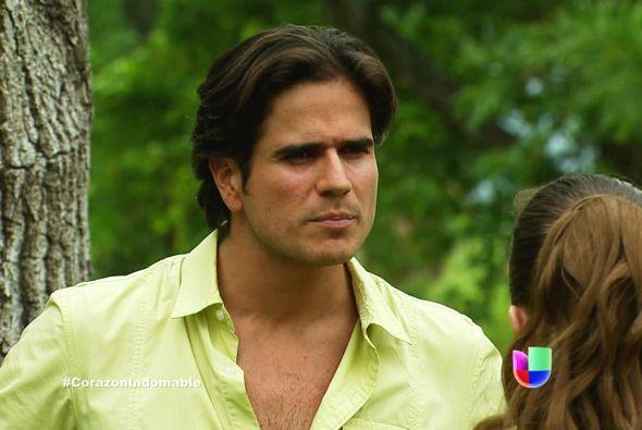 Octavio viajó al rancho para arreglar su divorcio con Maricruz.