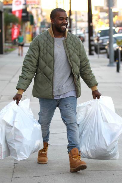 Mientras, Kanye puede disfrutar de todo lo que compró en una tienda de a...