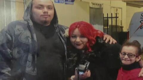 El dreamer Jesús Arreola junto a su novia, Crystal Alvarado y su hermana...
