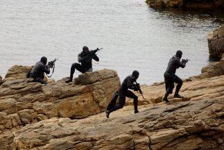 Entrenamiento de un grupo de las fuerzas especiales NAVY SEAL.