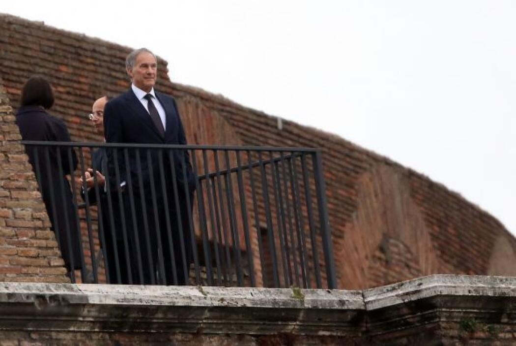 Pero antes de regresar a Villa Taverna, residencia del embajador estadou...