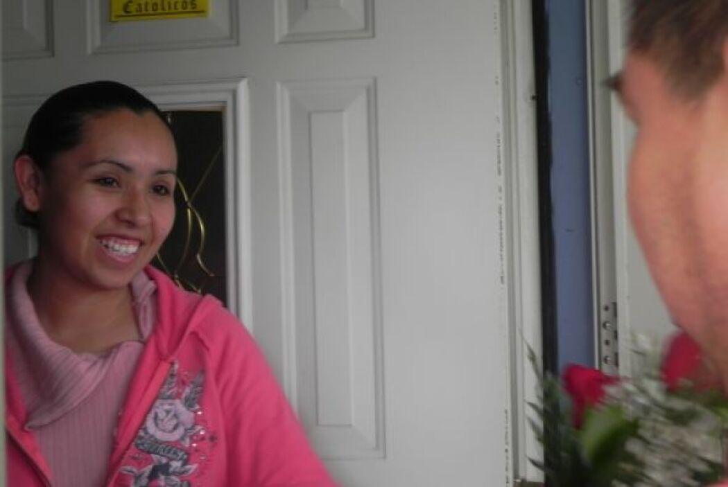 Vanessa sí estaba ahí y abrió la puerta.