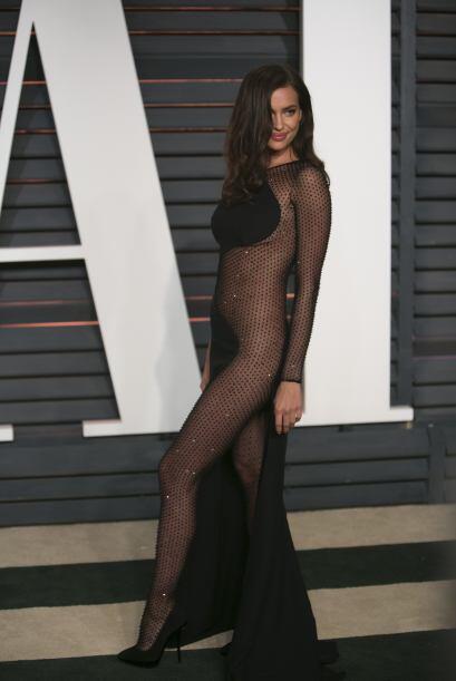 El mismo caso fue con Irina Shayk, cuyo modelo de Atelier Versace ca&iac...