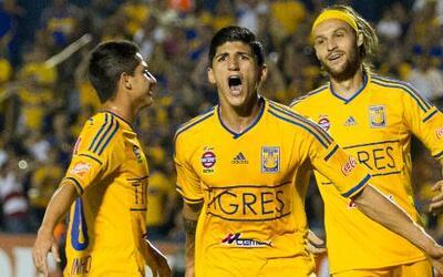 Tigres derrotó 2 - 1 a Atlas en la jornada 17 de la Liga MX