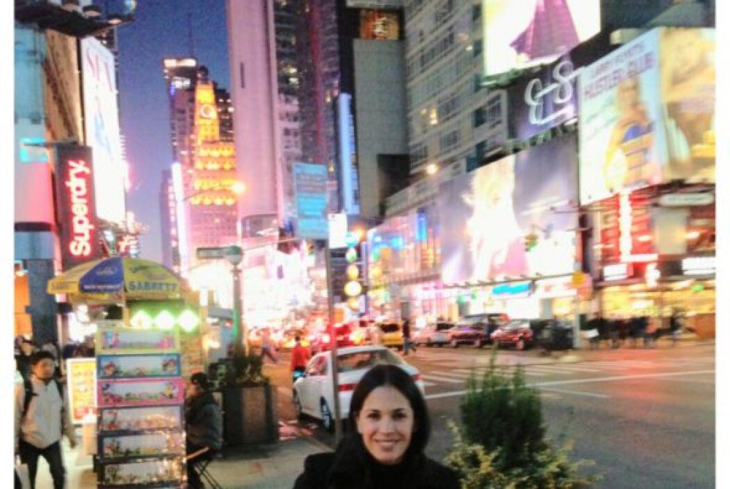 Aunque la noche estaba un poco fría, Karla siguió bien abrigada su recor...