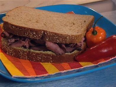 SÁNDWICH CON MERMELADA: Sí, el pan con mermelada es rico, pero este es u...