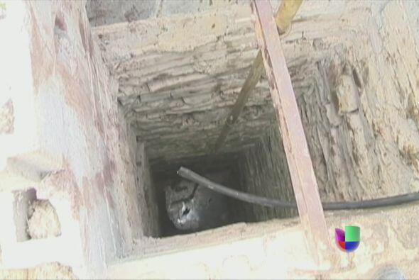 Los cuerpos fueron extraídos del pozo donde los arrojaron después de tor...