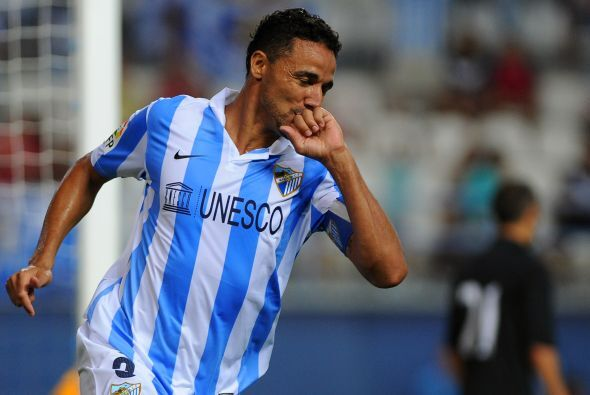La defensa inicia con el brasileño Weligton, jugador del Málaga.