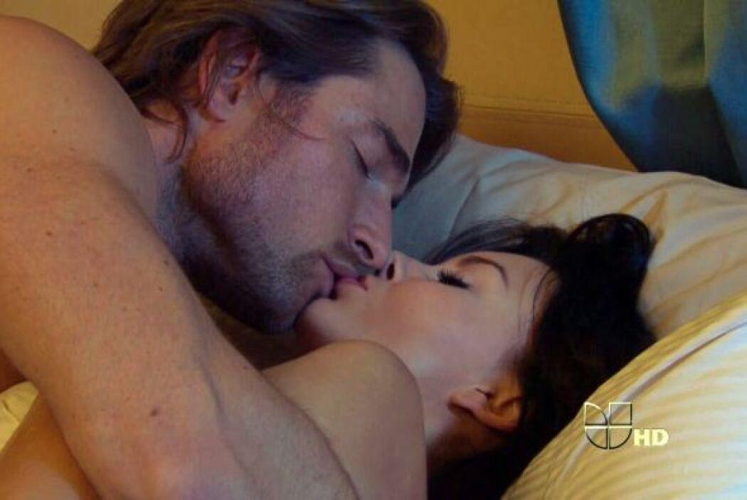 """Angelique Boyer desbordaba sensualidad en """"Teresa""""."""