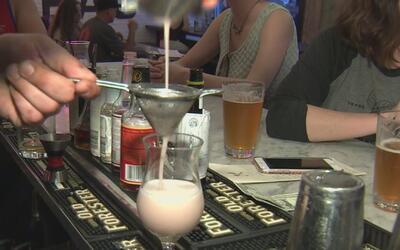 Nueva propuesta que forzaría a bares y clubes a cerrar horas antes gener...