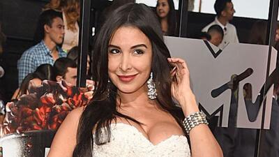 La modelo-cantante cubana transmite toda su sensualidad, candela y belle...