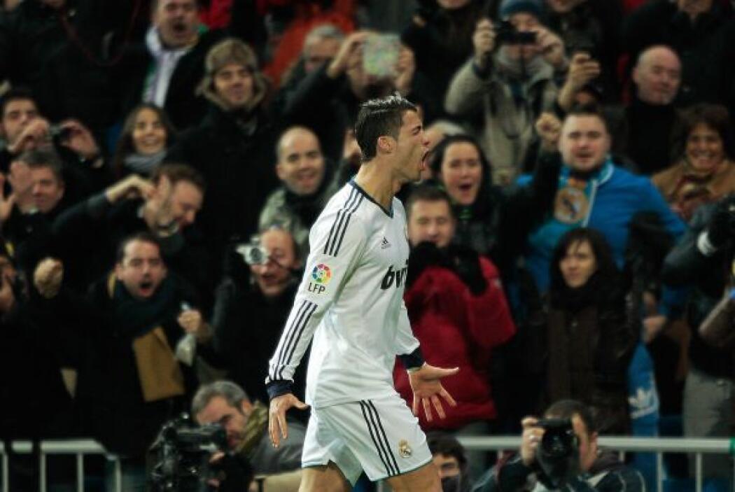 Finalmente, aparece el portugués Cristiano Ronaldo, el otro astro que se...