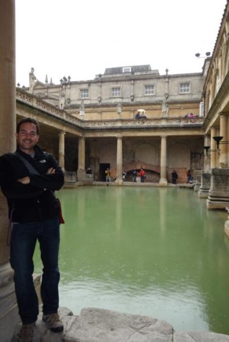 Carlos se dio una escapada a las termas romanas de Bath, en Inglaterra.