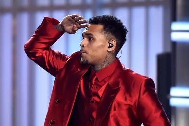Chris Brown enfrenta una batalla por su hija.